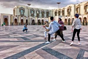Karl-Heinz Ludwig - Touristentrupe in Casablanca